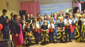 Swoim koncertem społeczność gimnazjum podarowało zebranym wiele pozytywnych emocji Fot.vrsa.lt