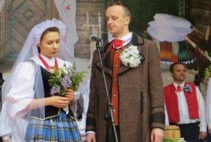 Państwa młodych zagrali Bożena Lewkowska oraz Artur Wasiukiewicz Fot. Anna Pieszko