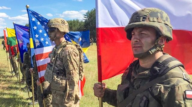"""Udział żołnierzy litewskich w ćwiczeniach """"Anakonda-2016"""" jest możliwością czerpania doświadczenia od wojsk sojuszniczych państw NATO i kształcenia profesjonalizmu Fot. defence.org"""