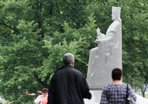 Pomnik Mendoga w Wilnie Fot. Marian Paluszkiewicz