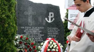 By uczcić pamięć poległych, co roku o godz. 15 odprawiana jest uroczysta Msza święta w Krawczunach