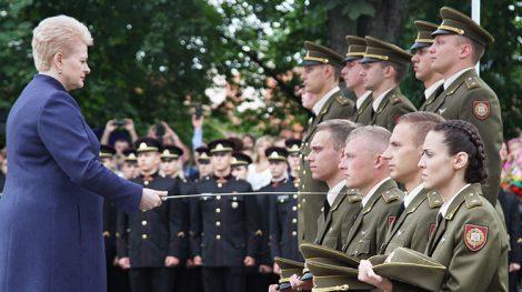 Uroczystą przysięgę na wierność Litwie złożyło 42 absolwentów Akademii Wojskowej im. Generała Jonasa Žemaitisa Fot. Marian Paluszkiewicz