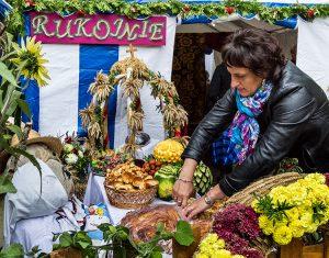 Sposób świętowania, który mieszkańcy uważają za coś oczywistego, zachwyca szczególnie gości z Macierzy Fot. Marian Paluszkiewicz