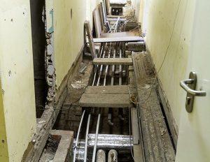 """""""Wystarczy posprzątać, wszystko wygląda coraz lepiej"""" — przekonywała nas pracownica szkoły"""