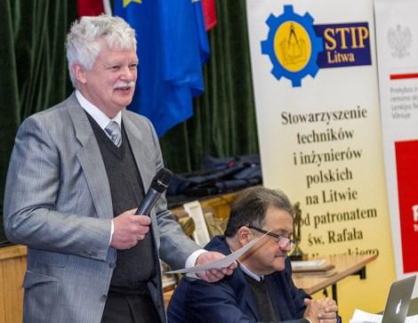 Zebranych w sali DKP powitał Jerzy Mozyro, wiceprezes STIP Fot. Marian Paluszkiewicz