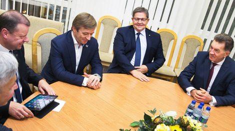 Litewski Związek Chłopów i Zielonych oraz socjaldemokraci podczas negocjacji postanowili, że powinno być wprowadzone podwójne obywatelstwo Fot. ELTA