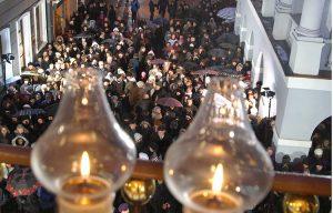 Podczas opiek niedzielami przybywa tu około 10 tys. wiernych Fot. Marian Paluszkiewicz