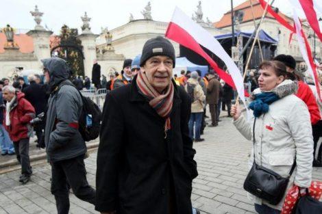 """Antoni Krauze na planie filmu """"Smoleńsk"""" Fot. PAP"""