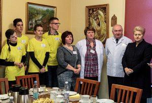 Dalia Grybauskaitė spotkała się z personelem medycznym, pacjentami oraz wolontariuszami hospicjum Fot. Marian Paluszkiewicz