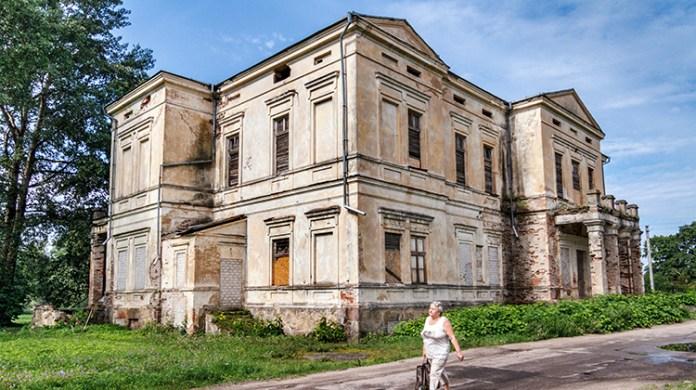 Na obrzeżach Wilna – ruiny imponującego pałacu Łęskich