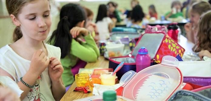 Do wiadomości rodziców! Zapraszamy do składania wniosków o bezpłatne posiłki dla przedszkolaków i uczniów pierwszych klas