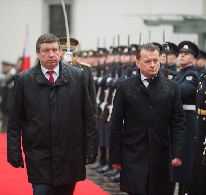 Karoblis: Poprzez ćwiczenia wojskowe Białoruś dąży do eskalacji napięcia