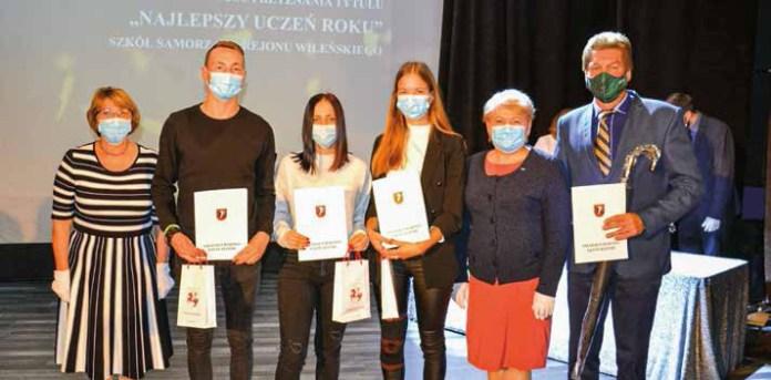 Nagrodzono utalentowanych uczniów rejonu wileńskiego