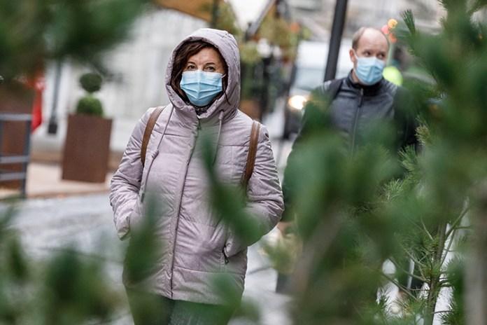 Koronawirus coraz groźniejszy – na Litwie codziennie ponad tysiąc zakażeń