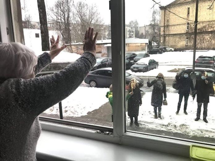Alicja Klimaszewska obchodzi 85. jubileusz, Społeczny Komitet nad Starą Rossą zaskoczył życzeniami