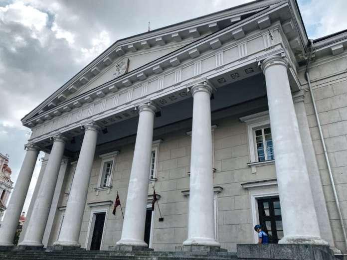 Šimašius zwalnia kierowniczkę ratusza Oksanę Treščenko. Sprawa pójdzie do sądu