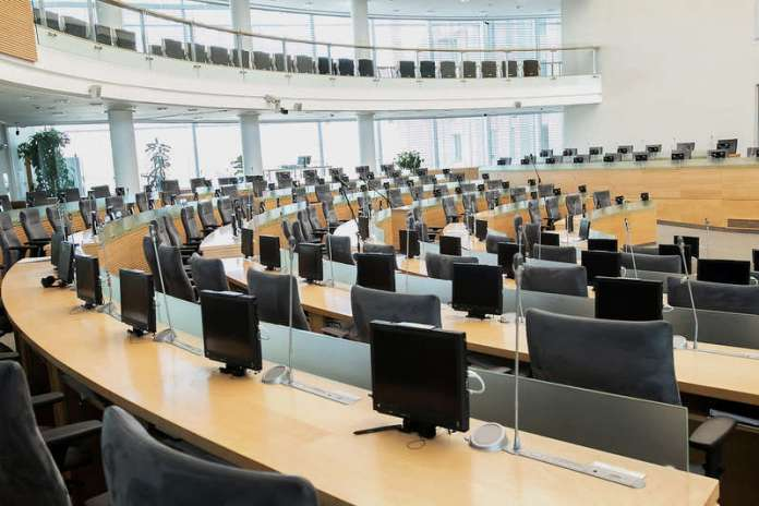 Posiedzenia Sejmu w sesji wiosennej będą odbywały się na żywo