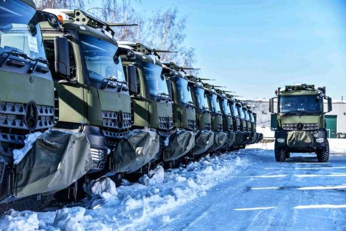 Wojsko Litewskie powiększyło się o 15 ciężarówek AROCS, 10 jeszcze w drodze