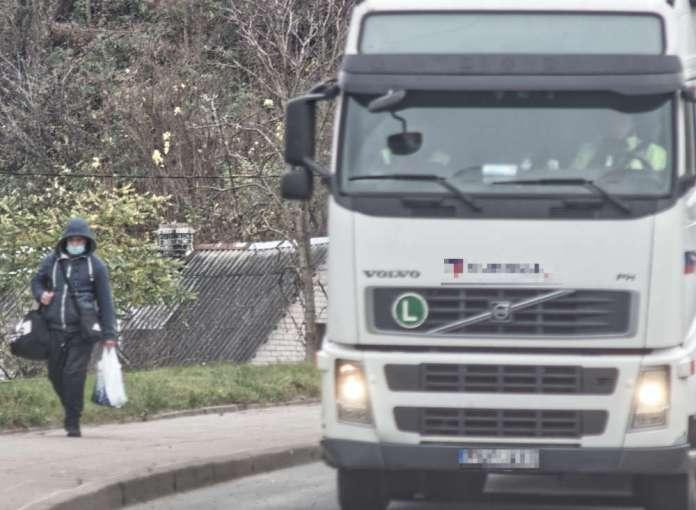 Na litewsko-białoruskiej granicy stoją ciężarówki. Ponad półtora tysiąca