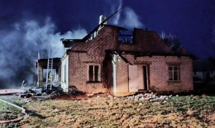Spalony dom w rejonie oniksztyńkim