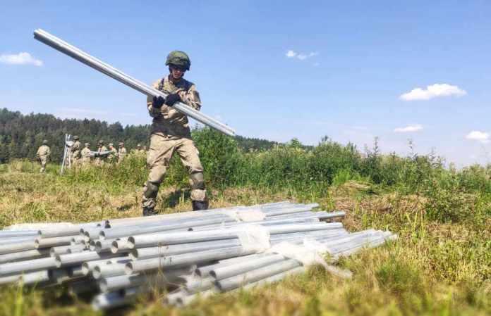 Litwa odgrodzi się od Białorusi. Tymczasem granicy pilnuje wojsko