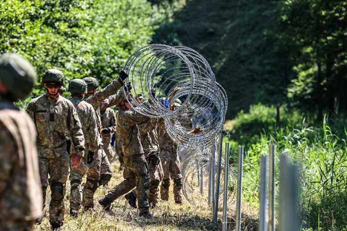 Wojsko będzie dodatkowo zabezpieczało miejsca zakwaterowania migrantów