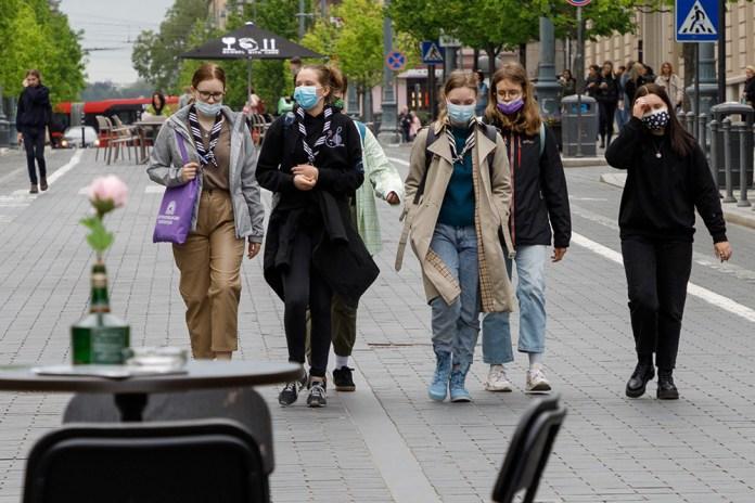 Pandemię zwalczyć mogą tylko szczepionki
