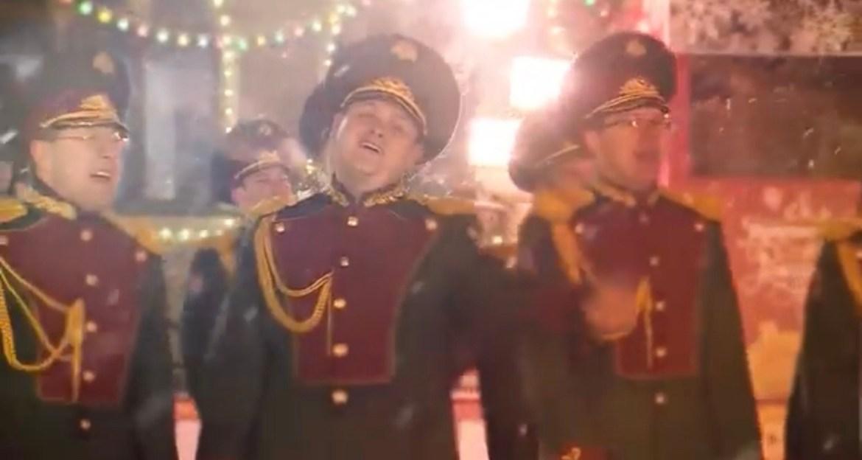 Ансамбль Росгвардии спел Last Christmas Джорджа Майкла на Красной площади