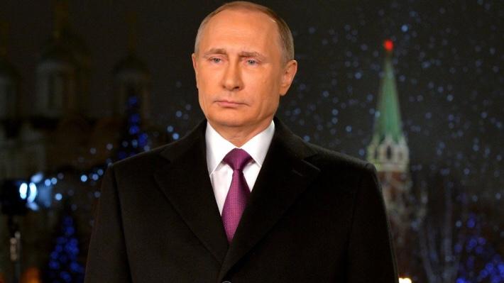 В прошлую новогоднюю полночь не могли найти Путина по телевизору. Что делать в этом году?