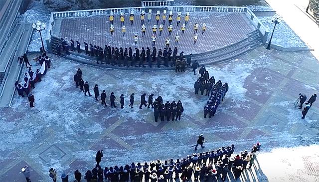 Полиция, спасатели, прокуроры и сотрудники ФСИН ЕАО снялись в ролике к Дню защитника Отчества