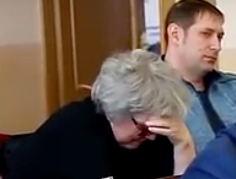 «Рука-лицо» и ухмылки: как в зрительном зале реагировали на заседание конкурсной комиссии в мэрии?
