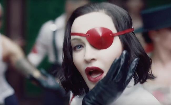 Мадонна представила заглавную песню с нового альбома и клип на неё. Фанаты пишут гневные комментарии. Но не все