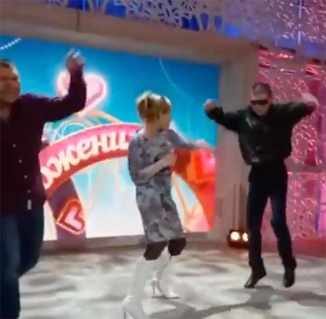 «Давай поженимся» с участием Олега Монгола, Иришки «чики-пики» и Безумного Паши выйдет в четверг и пятницу на Первом канале