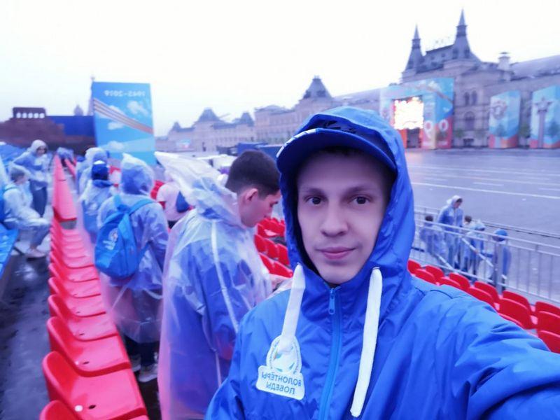 Волонтёр из ЕАО работал на параде Победы 9 мая в Москве