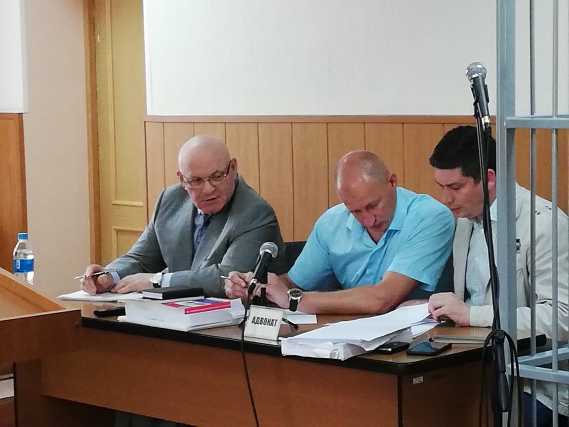 Обвинение затребовало реальный срок лишения свободы для экс-губернатора ЕАО Александра Винникова