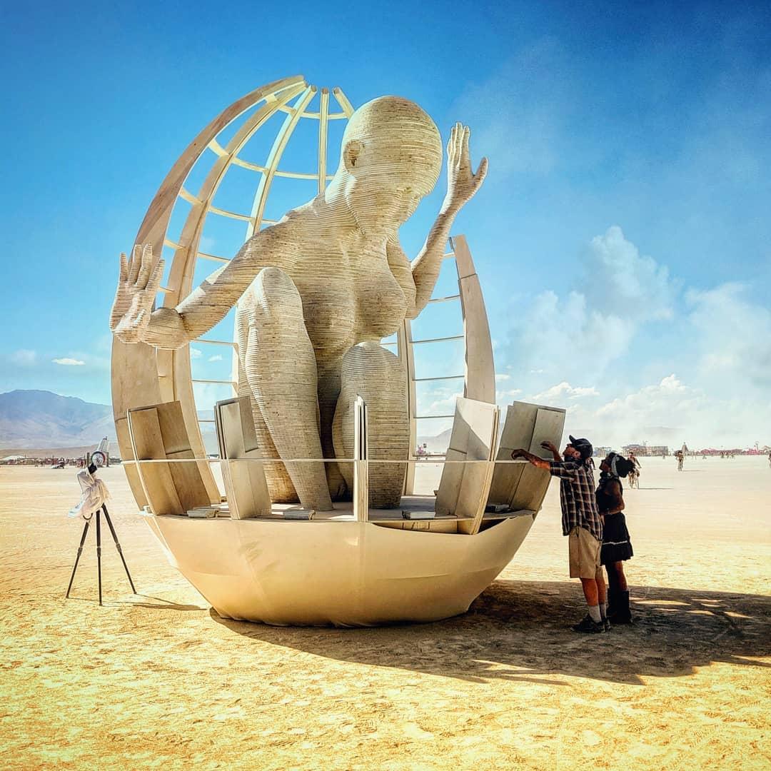 Арт-ивент Burning Man-2019 в Неваде закончился. Многое традиционно сожгли, но в сети остались ФОТО и ВИДЕО