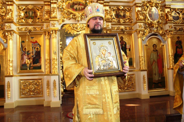 Паломники из ЕАО съездили на Святую Землю и привезли архиепископу Ефрему «улыбающуюся» икону