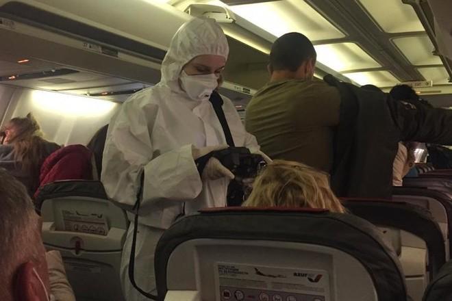 В Благовещенске из аэропорта с температурой увезли трех туристов, вернувшихся из Вьетнама
