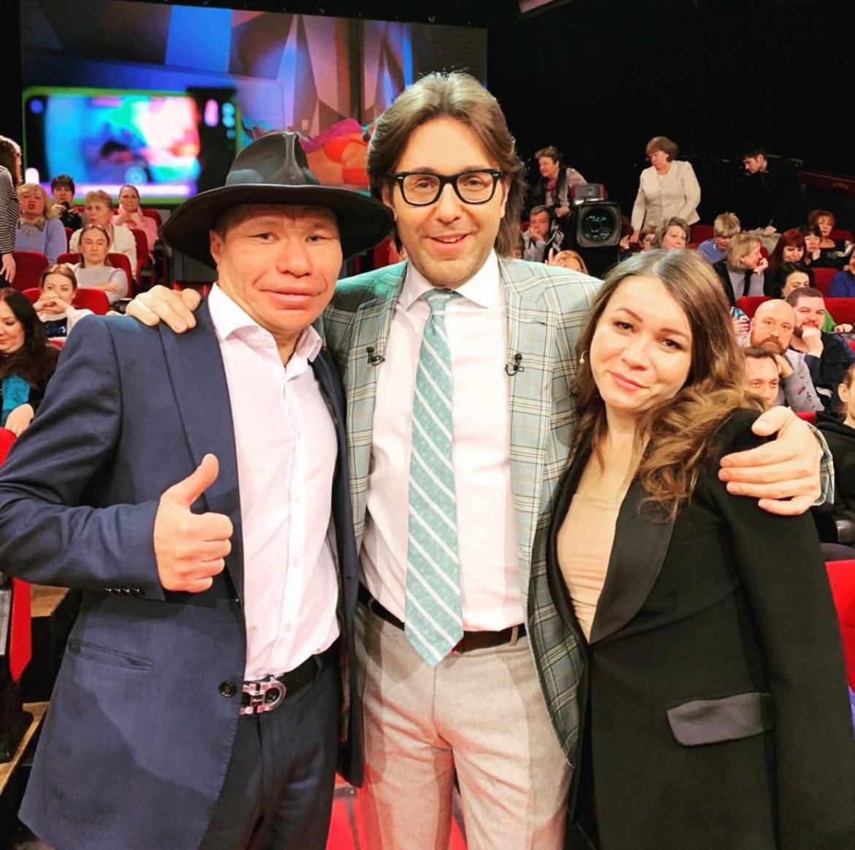 Мы знали, что этим кончится: Иришка чики-пики и Олег Монгол в гостях у Малахова на «России 1»