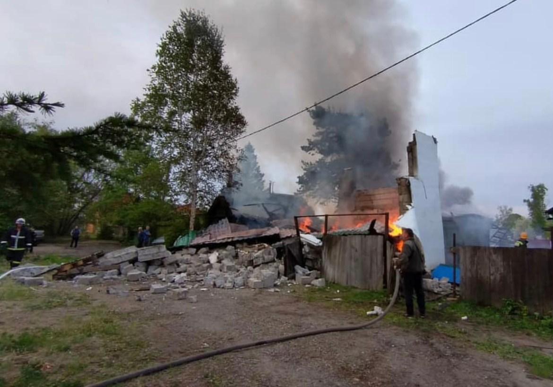В частном доме в пос. Приамурский предположительно произошел взрыв бытового газа – МЧС