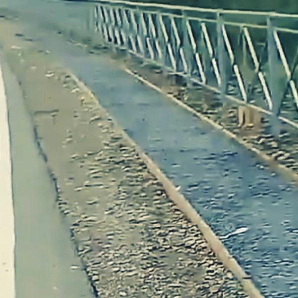 """""""Дорожка для самоубийц?"""": жители Будукана озадачены логикой дорожников"""
