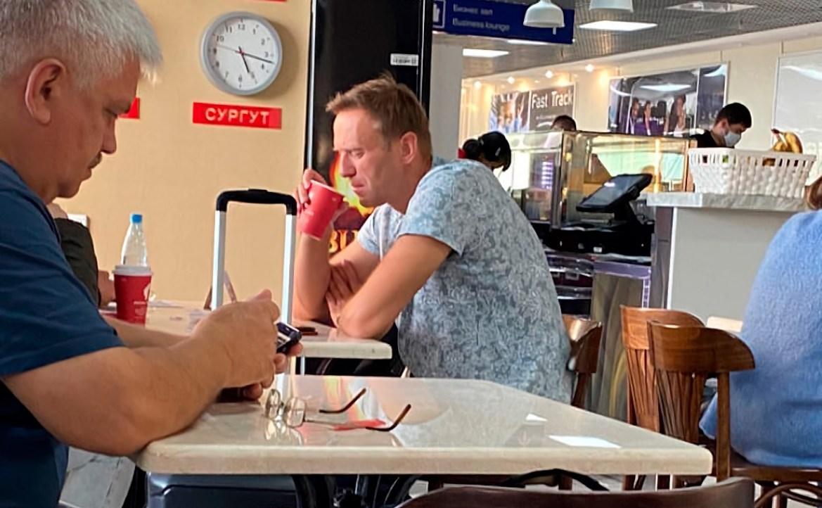 Отравление (?) Навального: транспортная полиция начала проверку