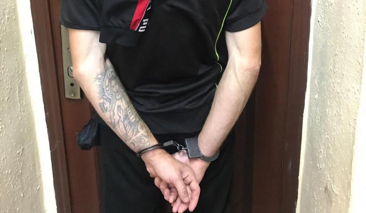В Биробиджане парня с татуировкой Христа на руке подозревают в убийстве взрослой женщины