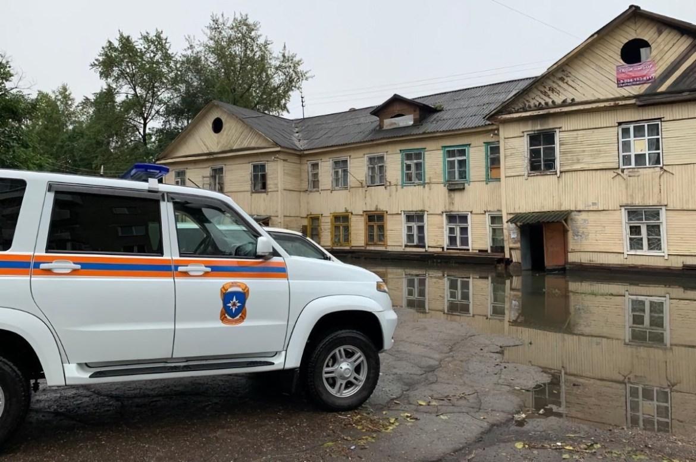 Из-за подтопления в Биробиджане эвакуированы жильцы двух домов – МЧС