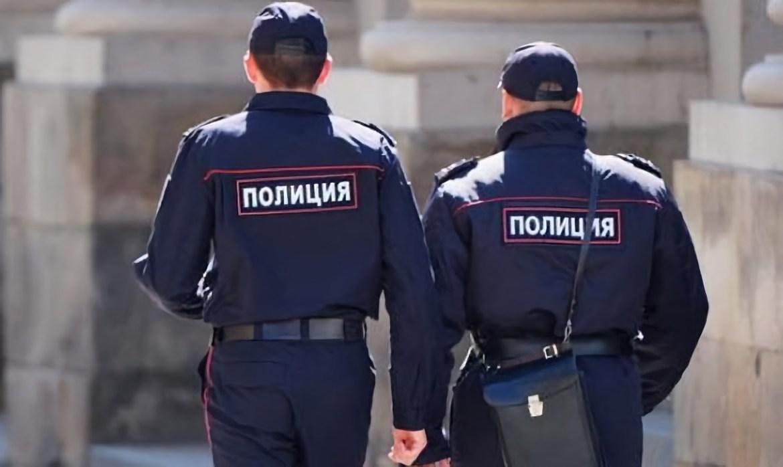 Экс-полицейского, находящегося на скамье подсудимых за насилие в отношении граждан, выпустили из-под ареста в ЕАО