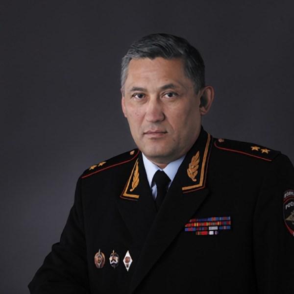 Беспокойное прошлое нового сенатора от ЕАО Юрия Валяева сохранилось в публикациях СМИ