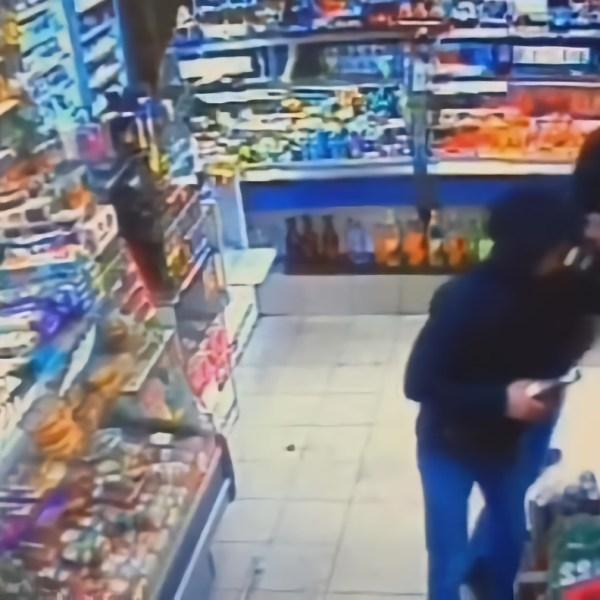 """""""Mamma Mia!"""": в Биробиджане пьяная компания в разгар веселья дважды ограбила магазин и даже успела продать украденные сигареты"""