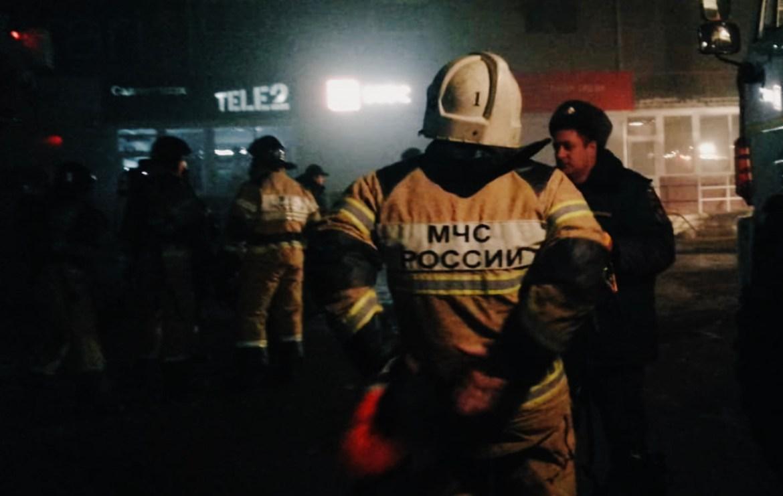 Почти год спустя после пожара в ТРЦ «Гигант» снова тушили огонь