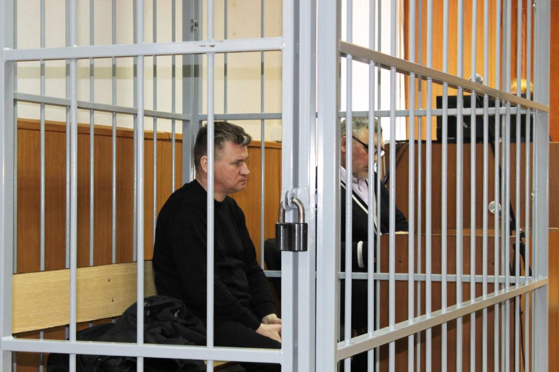 В суде по делу экс-мэра Биробиджана Евгения Коростелева допросили несколько свидетелей и изучили результаты экспертизы. Подсудимый вину не признает.