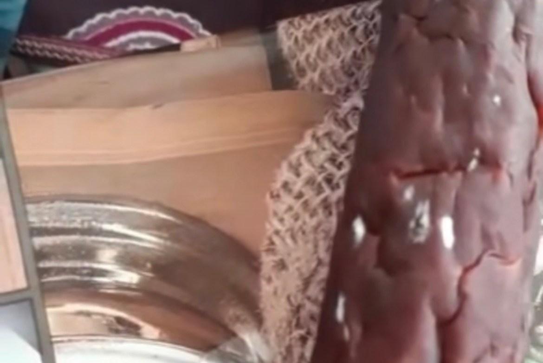 В Биробиджане ветерану-фронтовику подарили колбасу с плесенью (ВИДЕО)